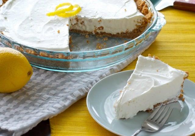 4 Ingredient, No-Bake Lemon Pie