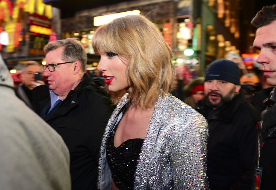"""Taylor Swift's Mother Speaks Up At Trial: """"He sexually assaulted her"""""""