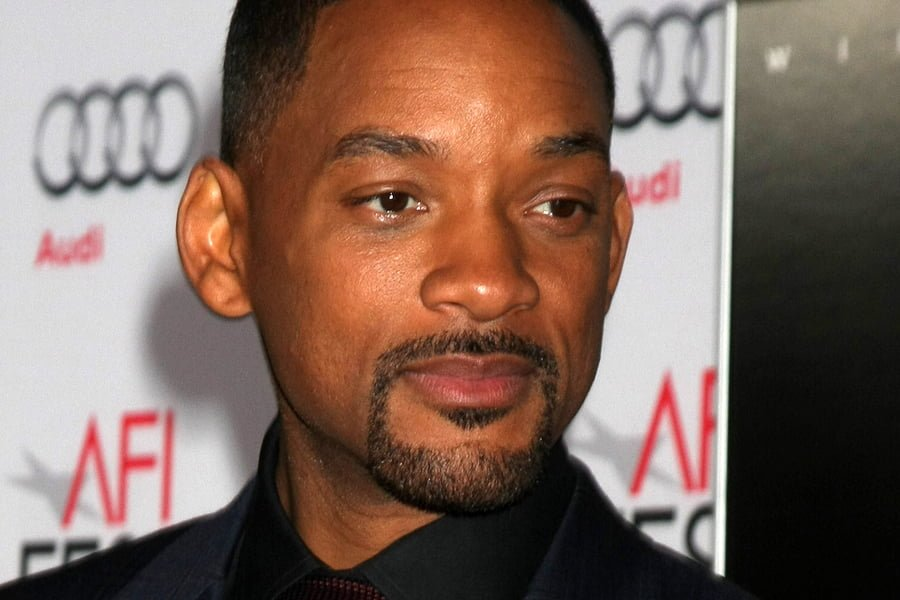 Will Smith In Talks To Play Genie in Disney's Live-Action 'Aladdin' Reboot