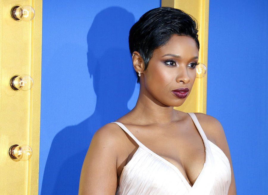 JENNIFER HUDSON TO PLAY ARETHA FRANKLIN IN UPCOMING BIOPIC